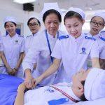 Ngành Điều dưỡng là gì? Những thuận lợi và khó khăn của ngành Điều dưỡng
